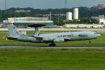 うめやしきさんが、嘉手納飛行場で撮影したアメリカ空軍 E-3B Sentry (707-300)の航空フォト(飛行機 写真・画像)