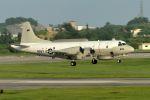うめやしきさんが、嘉手納飛行場で撮影したアメリカ海軍 EP-3E Orion (ARIES II)の航空フォト(飛行機 写真・画像)