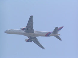jj.sakamotoさんが、関西国際空港で撮影したロイヤル・ネパール航空 757-2F8の航空フォト(飛行機 写真・画像)