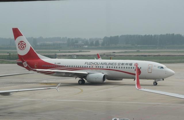 福州航空 Boeing 737-800 B-1905...