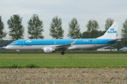 よっしぃさんが、アムステルダム・スキポール国際空港で撮影したKLMシティホッパー ERJ-190-100(ERJ-190STD)の航空フォト(飛行機 写真・画像)
