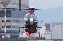 佐治足康(Emty300改め)さんが、伊丹空港で撮影した読売新聞 EC135P2の航空フォト(飛行機 写真・画像)