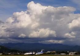 KCZfunさんが、高知空港で撮影したANAウイングス DHC-8-402Q Dash 8の航空フォト(飛行機 写真・画像)
