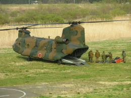 kumagorouさんが、角田滑空場で撮影した陸上自衛隊 CH-47Jの航空フォト(飛行機 写真・画像)