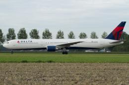 よっしぃさんが、アムステルダム・スキポール国際空港で撮影したデルタ航空 767-432/ERの航空フォト(飛行機 写真・画像)