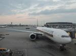 シフォンさんが、香港国際空港で撮影したシンガポール航空 777-312/ERの航空フォト(飛行機 写真・画像)