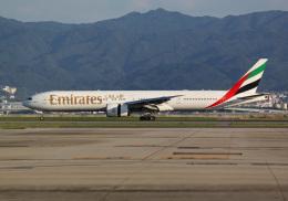 航空フォト:A6-EBW エミレーツ航空 777-300