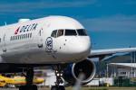m-takagiさんが、プリンセス・ジュリアナ国際空港で撮影したデルタ航空 757-2Q8の航空フォト(写真)