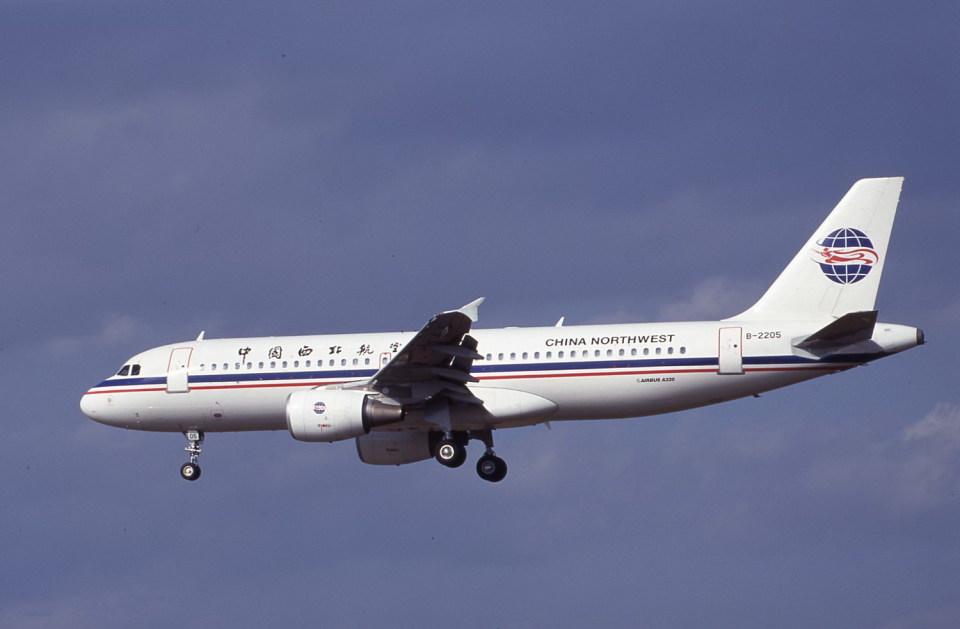 kumagorouさんの中国西北航空 Airbus A320 (B-2205) 航空フォト
