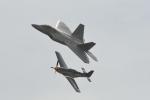 小弦さんが、サリナス市営空港で撮影したアメリカ空軍 F-22A-10-LM Raptorの航空フォト(写真)