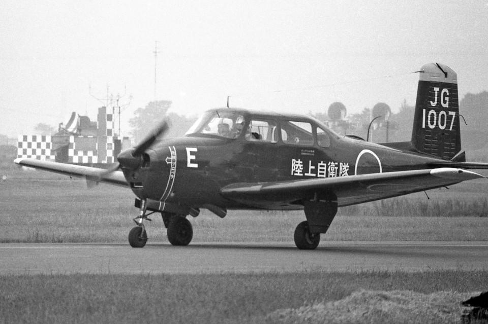 apphgさんの陸上自衛隊 Fuji LM-1/LM-2 (21007) 航空フォト