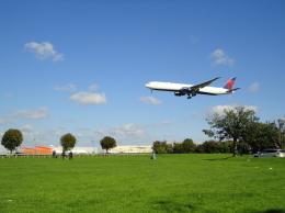 じょいふる♪@A380大好き!さんが、ロンドン・ヒースロー空港で撮影したデルタ航空 767-432/ERの航空フォト(飛行機 写真・画像)