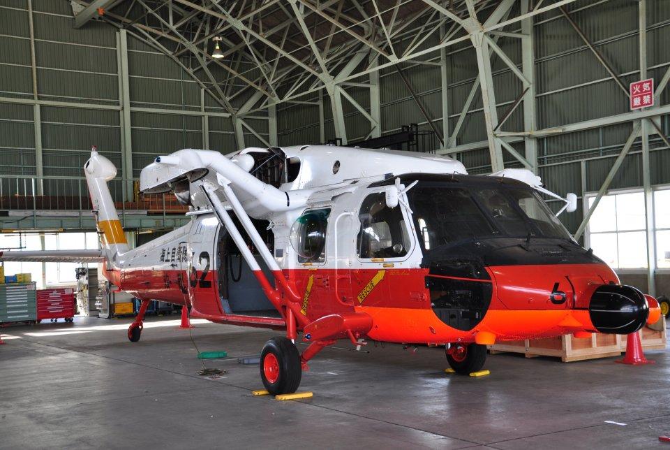 チャーリーマイクさんの海上自衛隊 Mitsubishi UH-60J (8962) 航空フォト