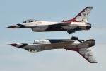 小弦さんが、サクラメント・マザー空港で撮影したアメリカ空軍 F-16CM-52-CF Fighting Falconの航空フォト(写真)