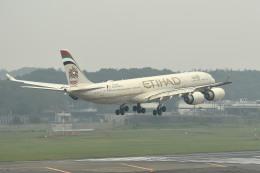 tsubasa0624さんが、成田国際空港で撮影したエティハド航空 A340-541の航空フォト(写真)