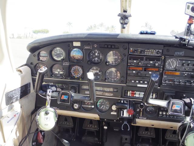 スピッツさんが、ダニエル・K・イノウエ国際空港で撮影したワシン・エア PA-28-181 Archer IIの航空フォト(飛行機 写真・画像)
