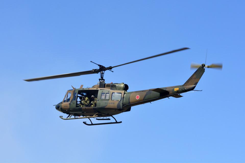 Gambardierさんの陸上自衛隊 Fuji UH-1J (41803) 航空フォト