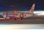 orbis001さんが、羽田空港で撮影したエア・インチョン 737-4Y0/SFの航空フォト(写真)