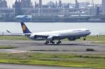 しんさんが、羽田空港で撮影したルフトハンザドイツ航空 A340-642の航空フォト(写真)