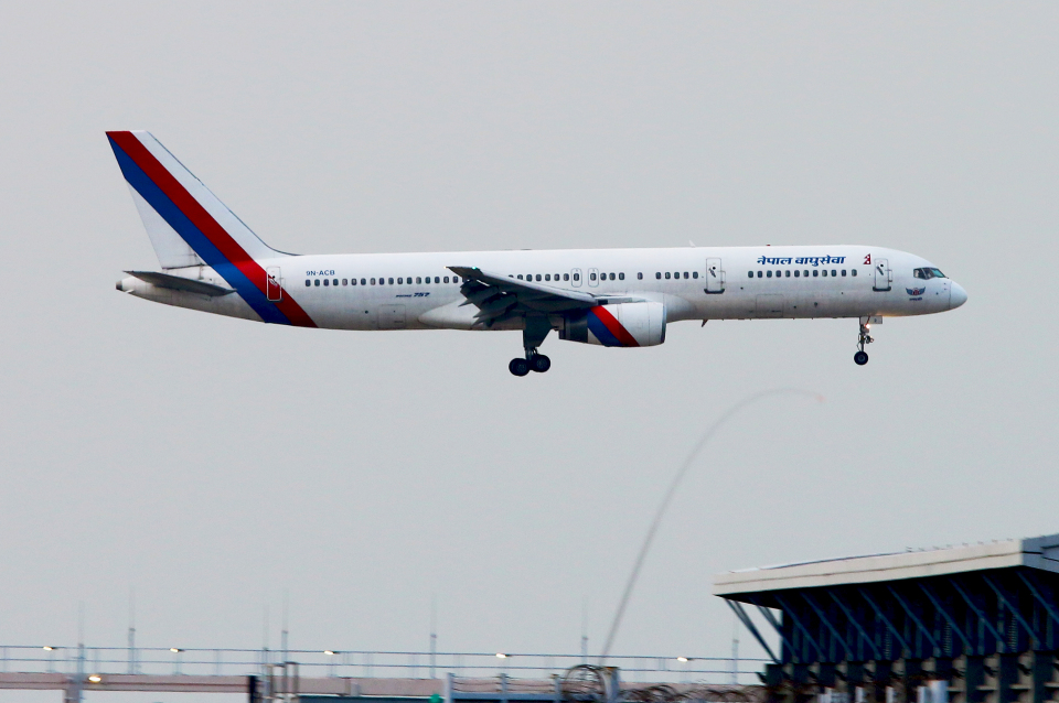 Asamaさんのネパール航空 Boeing 757-200 (9N-ACB) 航空フォト