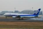 サボリーマンさんが、高松空港で撮影した全日空 767-381の航空フォト(写真)