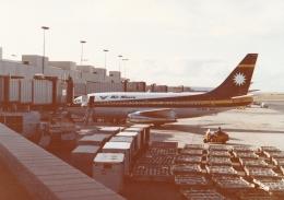 AntonioKさんが、ダニエル・K・イノウエ国際空港で撮影したエア・ナウル 737-2L9/Advの航空フォト(飛行機 写真・画像)