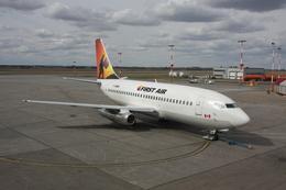 bigheadさんが、エドモントン国際空港で撮影したファースト・エア 737-210C/Advの航空フォト(飛行機 写真・画像)