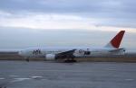 kumagorouさんが、神戸空港で撮影した日本航空 777-246の航空フォト(写真)