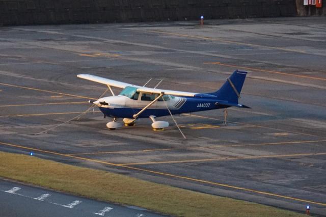 東京センチュリー Cessna 172 JA4007 富山空港  航空フォト | by pringlesさん