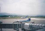 ぽんさんが、高松空港で撮影したエアーニッポン YS-11A-500の航空フォト(写真)
