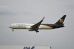 tsubasa0624さんが、成田国際空港で撮影したUPS航空 767-34AF/ERの航空フォト(写真)