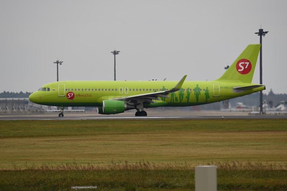 tsubasa0624さんのS7航空 Airbus A320 (VP-BOL) 航空フォト