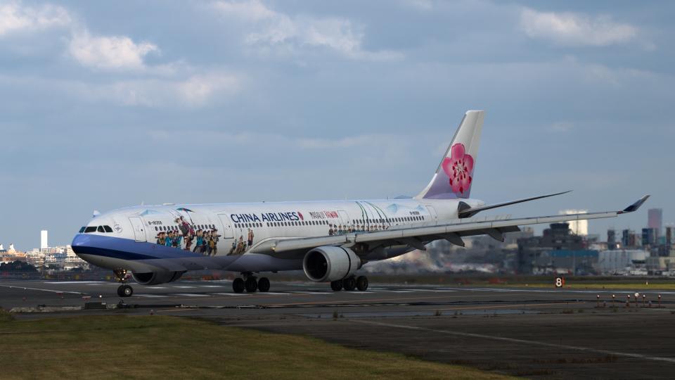 tsuna72さんのチャイナエアライン Airbus A330-300 (B-18358) 航空フォト