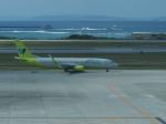 ken1☆MYJさんが、那覇空港で撮影したジンエアー 737-8B5の航空フォト(写真)