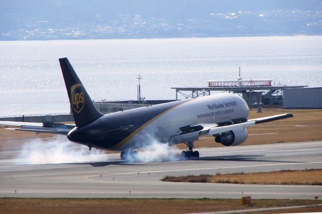 山河 彩さんが、関西国際空港で撮影したUPS航空 767-34AF/ERの航空フォト(飛行機 写真・画像)