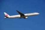 まいけるさんが、シドニー国際空港で撮影した日本航空 777-346/ERの航空フォト(写真)