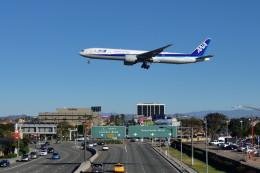 Cimarronさんが、ロサンゼルス国際空港で撮影した全日空 777-381/ERの航空フォト(飛行機 写真・画像)
