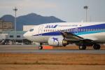てくてぃーさんが、松山空港で撮影したANAウイングス 737-54Kの航空フォト(写真)