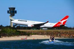 まいけるさんが、シドニー国際空港で撮影したカンタス航空 A330-202の航空フォト(飛行機 写真・画像)