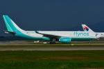 RUSSIANSKIさんが、クアラルンプール国際空港で撮影したフライナス A330-243の航空フォト(飛行機 写真・画像)