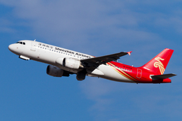 PINK_TEAM78さんが、成田国際空港で撮影した深圳航空 A320-214の航空フォト(飛行機 写真・画像)