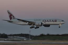 木人さんが、成田国際空港で撮影したカタール航空 777-2DZ/LRの航空フォト(飛行機 写真・画像)