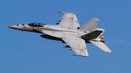 shootingstarさんが、厚木飛行場で撮影したアメリカ海軍 F/A-18E Super Hornetの航空フォト(飛行機 写真・画像)