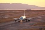 リクパパさんが、関西国際空港で撮影したカタール航空 A330-202の航空フォト(写真)