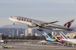 LAX Spotterさんが、ロサンゼルス国際空港で撮影したカタール航空 777-2DZ/LRの航空フォト(飛行機 写真・画像)