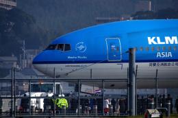 tsuna72さんが、福岡空港で撮影したKLMオランダ航空 777-206/ERの航空フォト(写真)