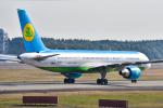 パンダさんが、成田国際空港で撮影したウズベキスタン航空 757-231の航空フォト(写真)