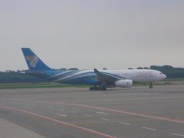 KOSEIさんが、ミラノ・マルペンサ空港で撮影したオマーン航空 A330-243の航空フォト(飛行機 写真・画像)