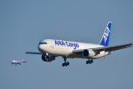 パンダさんが、成田国際空港で撮影した全日空 767-381Fの航空フォト(飛行機 写真・画像)