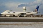北の熊さんが、新千歳空港で撮影したユナイテッド航空 777-222/ERの航空フォト(写真)